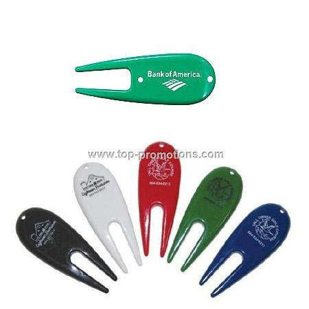 Plastic green repair tool