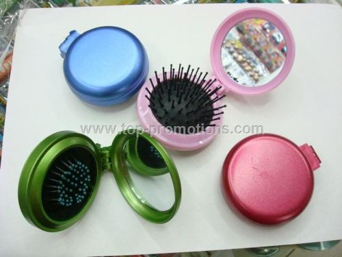 Portable mirror with brush kit