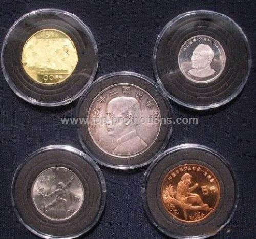 Two piece plastic coin capsule