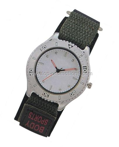 Nylon band sports watch