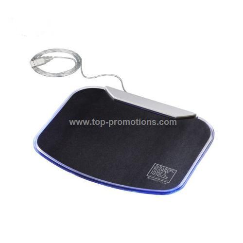 4-port USB hub mouse pad