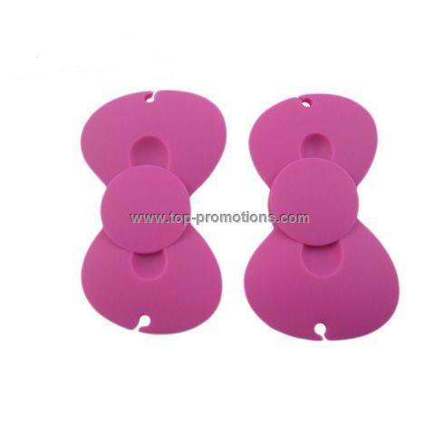 Silicone earphone cable roller