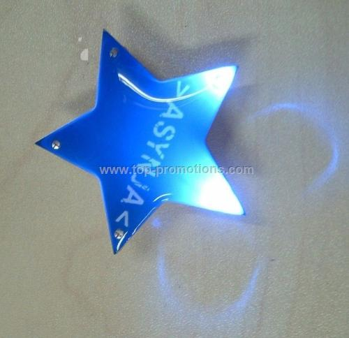 Flashing star pin