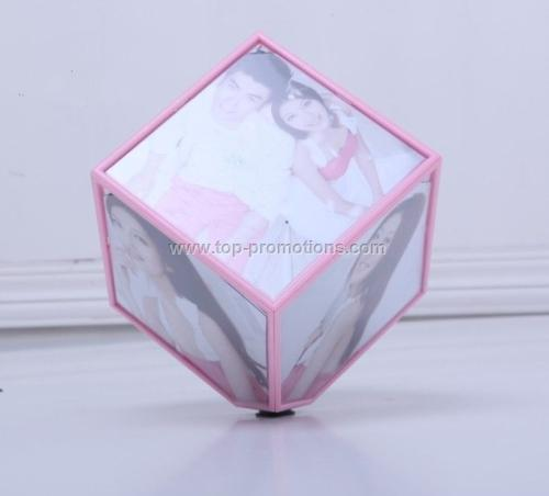 Plastic magic photo cube