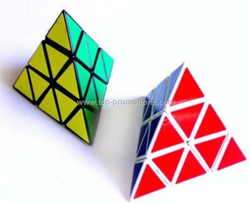 Pyramid puzzle cube