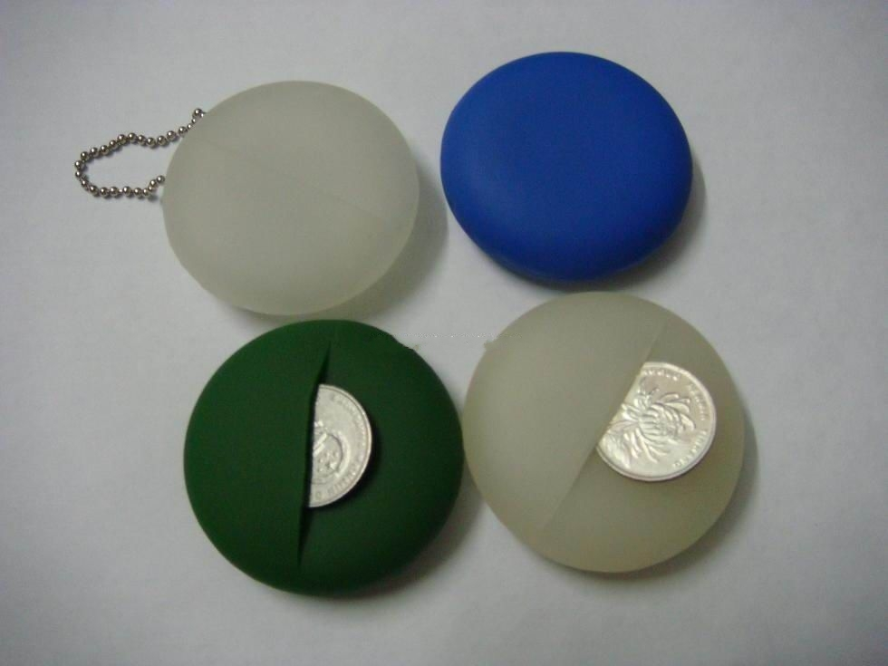 Pocket coin keychain