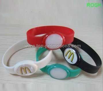 Flashing bracelet