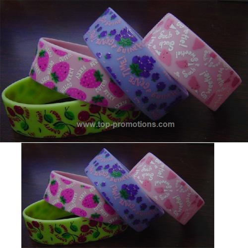 silicone printed closed bracelet