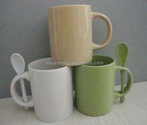 Srandard solid color ceramic coffee mug with spoon