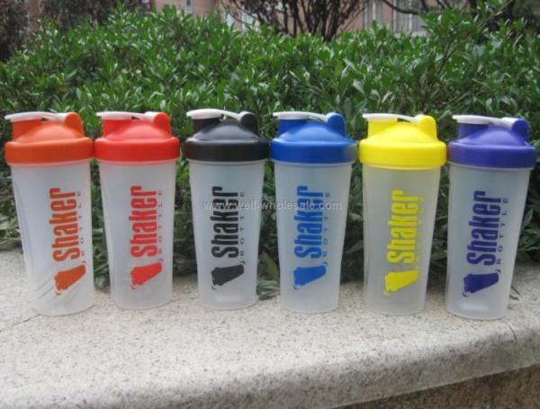 20oz plastic shaker bottle with ball blender