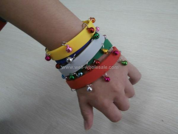 2013 Christmas customized silicone bracelets with small bells