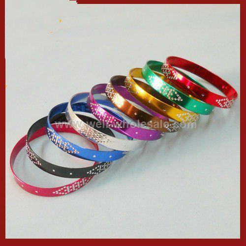 Multicolor anodized bangle