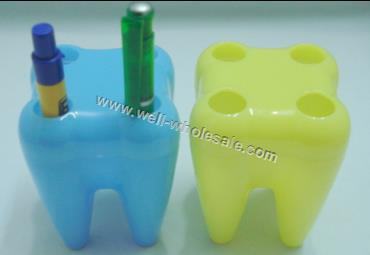Tooth sahped pen holder