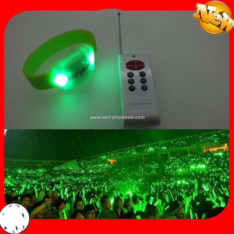 2014 Most fashional wholesale newest radio control LED wristband