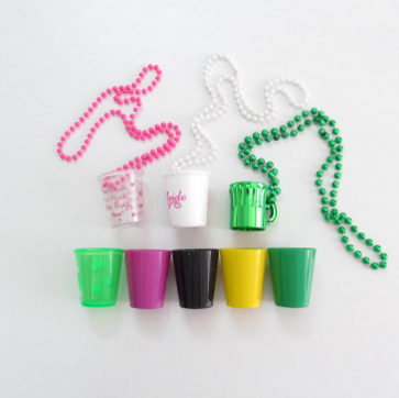 wholesale cheap price necklace plastic shot glass necklace for hen party