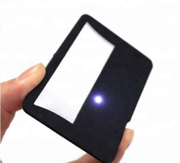 Wholesales Credit Card Sized Fresnel 3 X Power Magnifier With Push Control LED Light