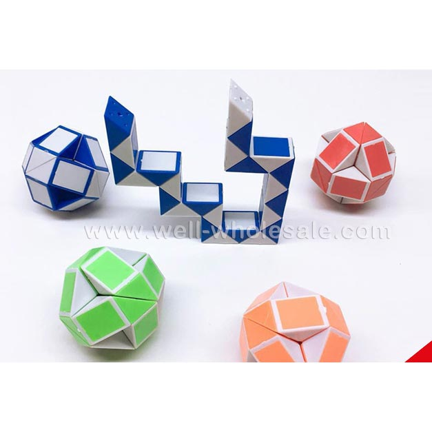 Serpentine rubik's cube